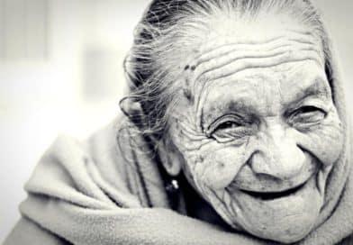 Los cuidados a domicilio para personas mayores traen beneficios para toda la familia